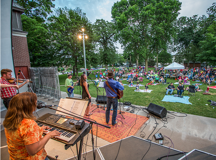 Cedar Valley Acoustic Guitar Association plays in Overman Park